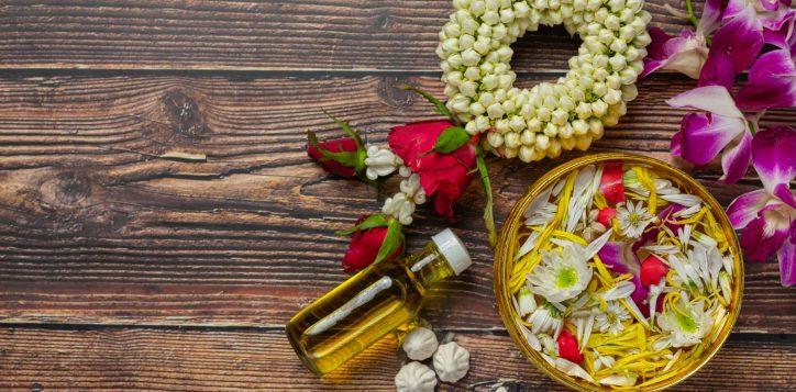 thai-traditional-jasmine-garland-colorful-flower-water-bowls-decorating-perfume-marly-limestone-1-2